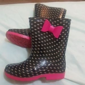 "Disney Minnie Mouse ""bows"" rain boots"